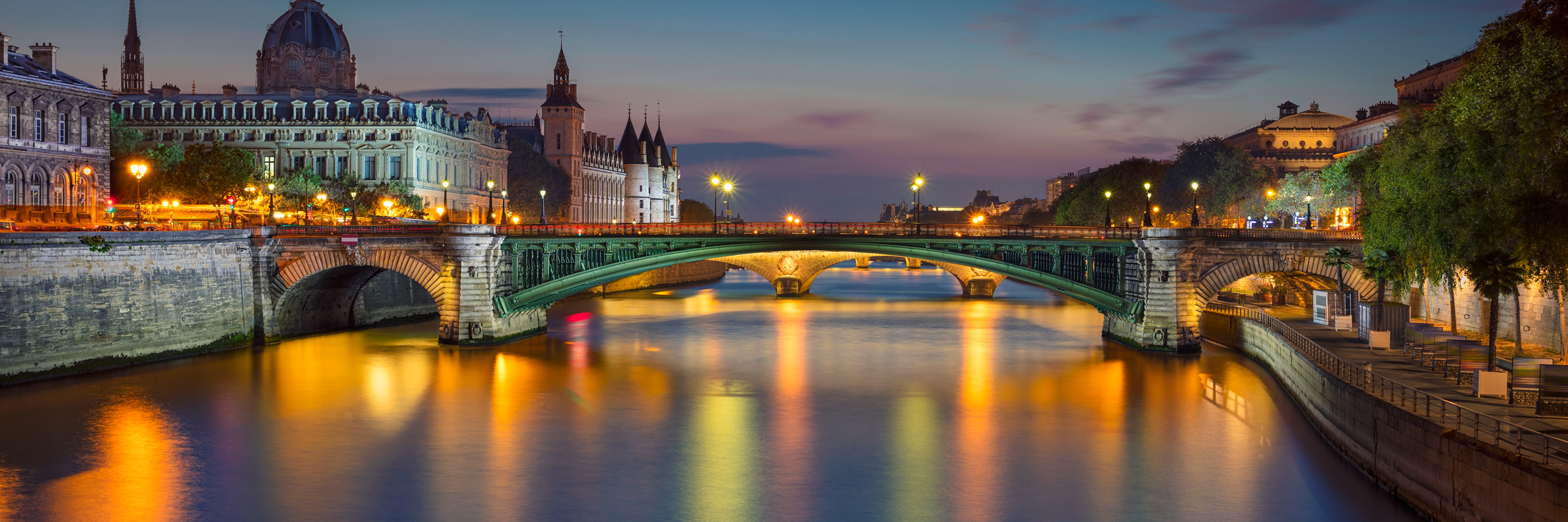 Festive Time on the Romantic Rhine with 2 Nights in Paris   & 2 Nights in London (Northbound)