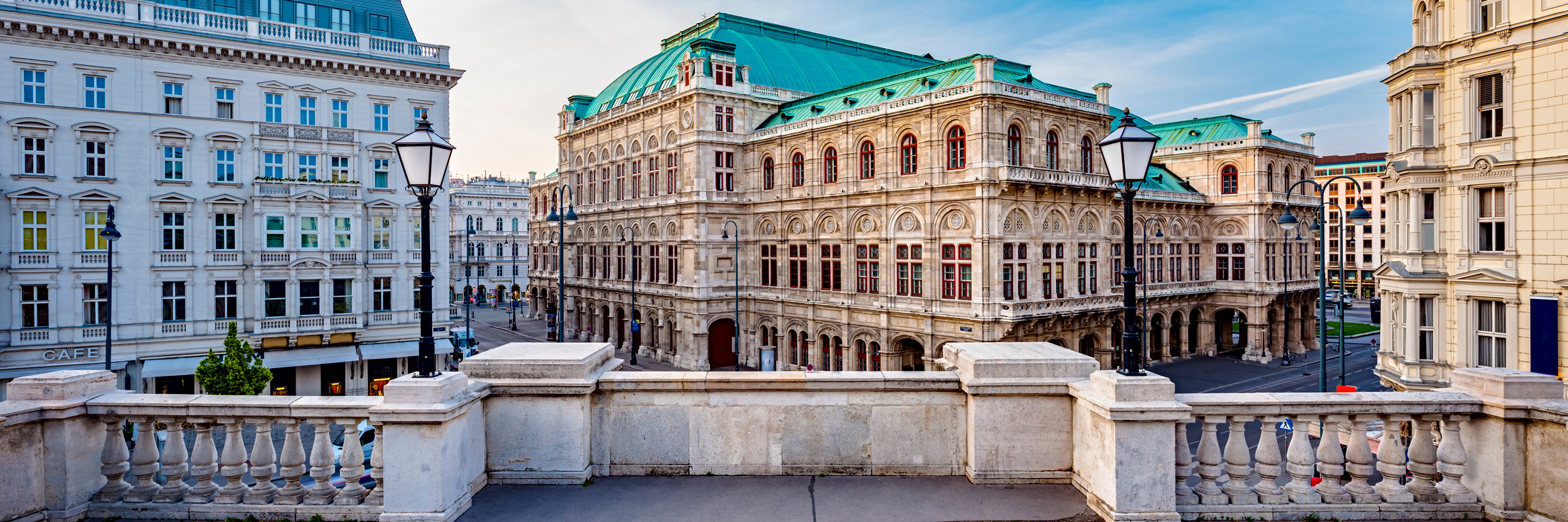 A Taste of the Danube with 2 Nights in Vienna & 2 Nights in Budapest (Eastbound)