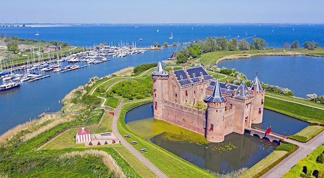 rhine-muiderslot-castle.jpg