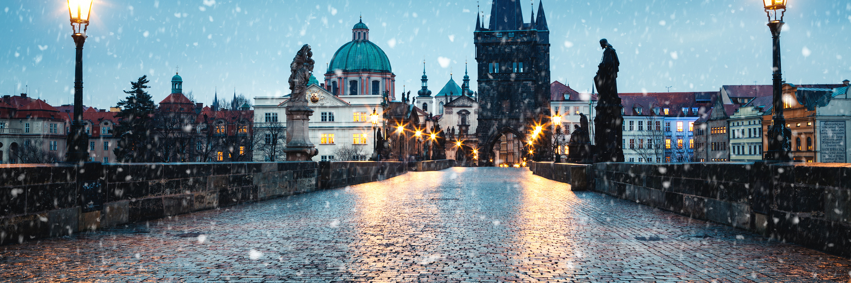 Festive Season on The Blue Danube Discovery with 2 Nights in Prague