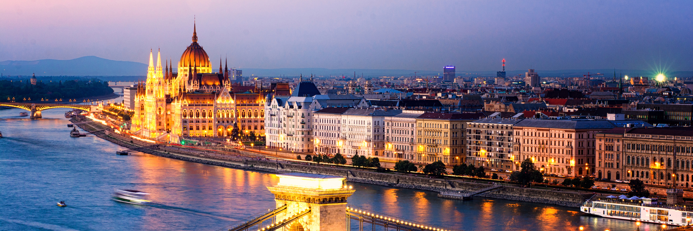 Festive Season on The Blue Danube Discovery with 2 Nights in Budapest