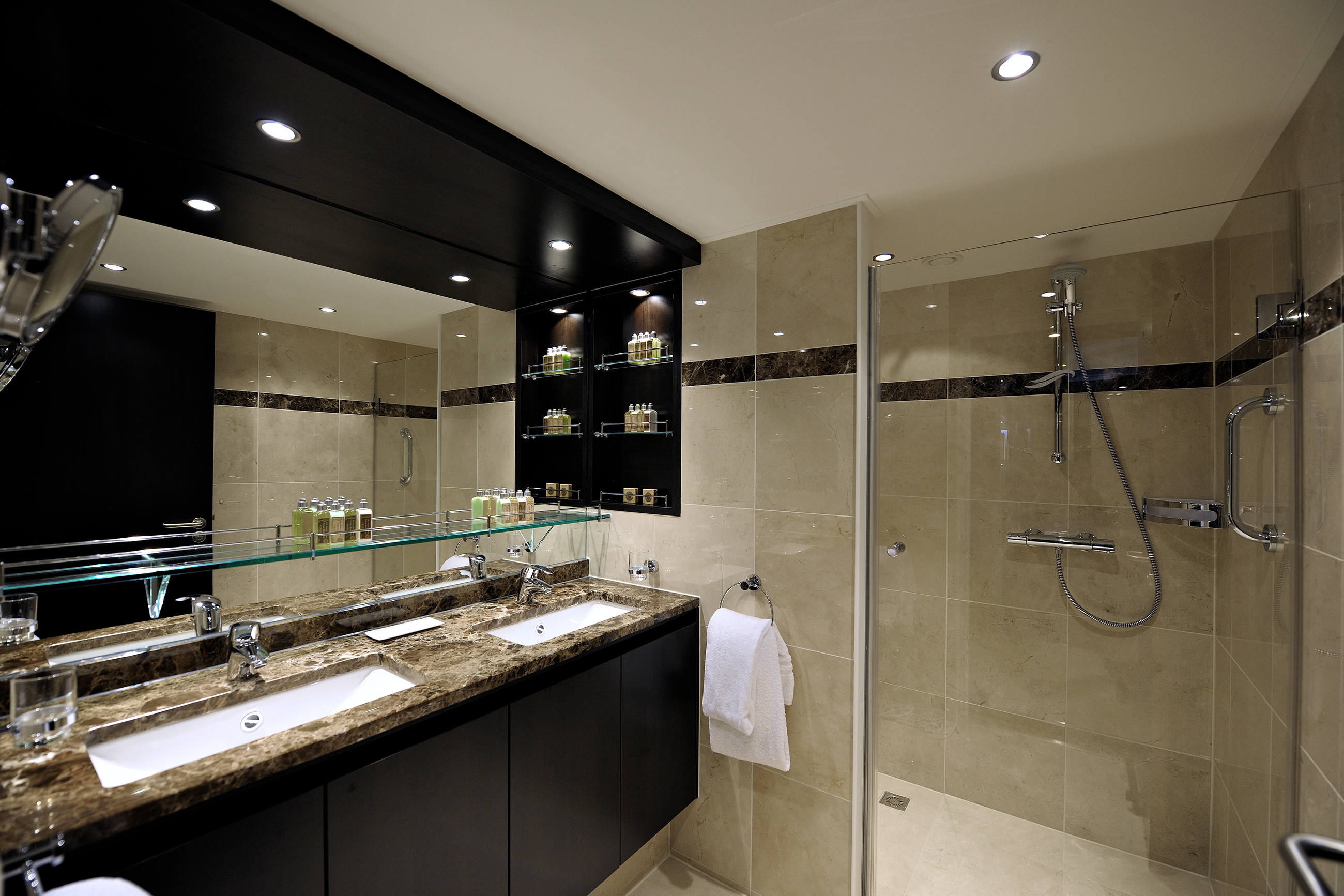 PANORAMA_panorama_bathroom.jpg