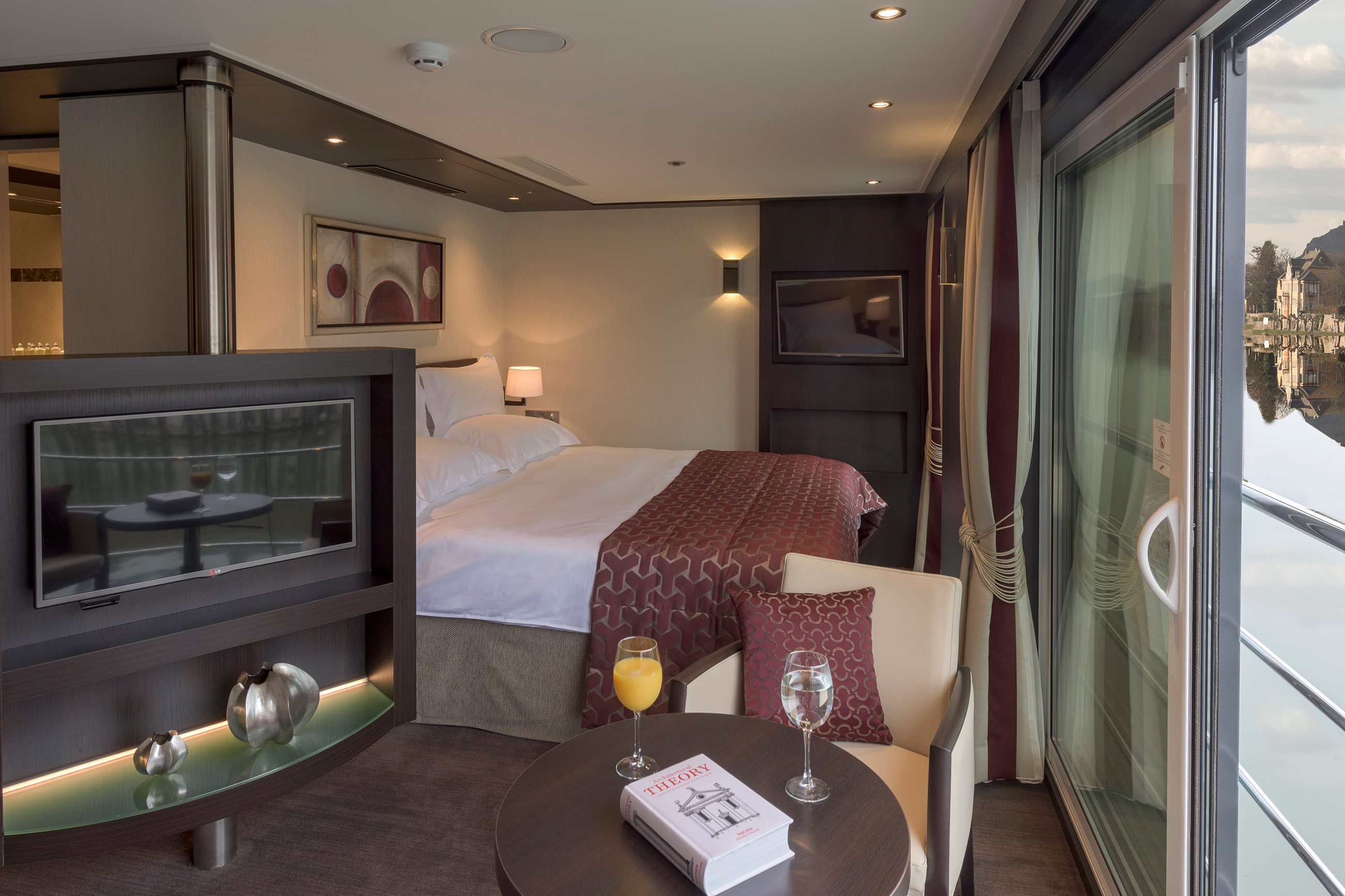passion-royal-suite.jpg