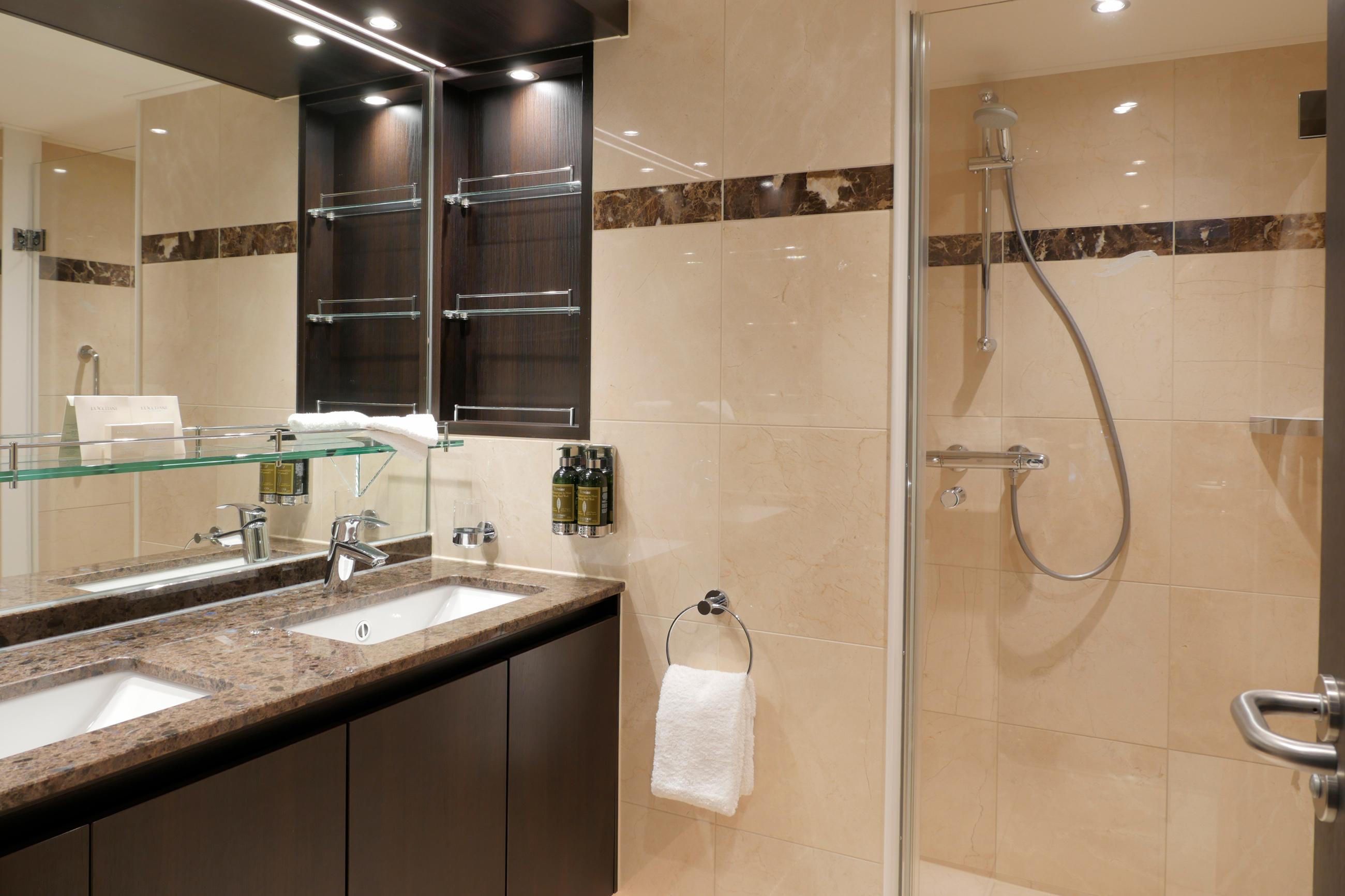 Passion Royal Suite Bathroom