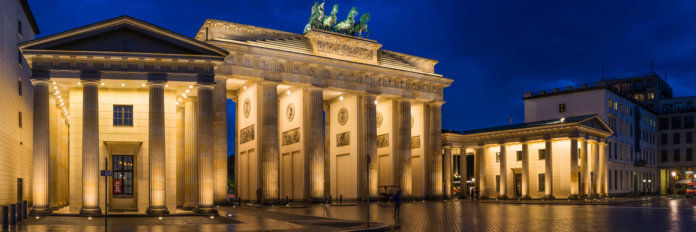 Berlin guided tours Globus