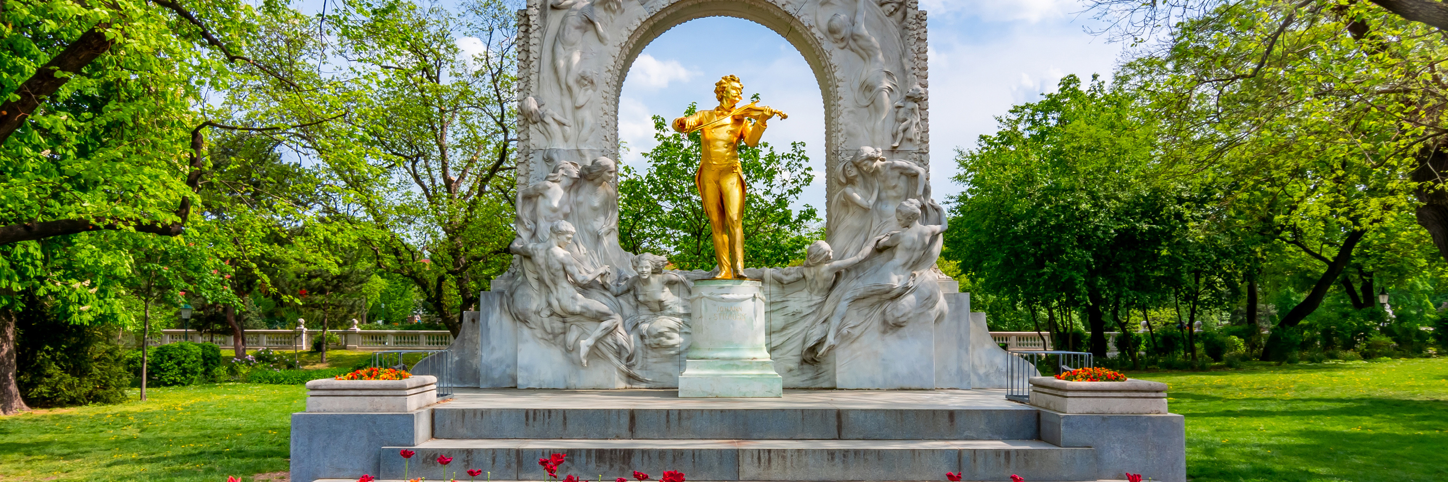 A Taste of the Danube with 2 nights in Budapest & 2 nights in Vienna