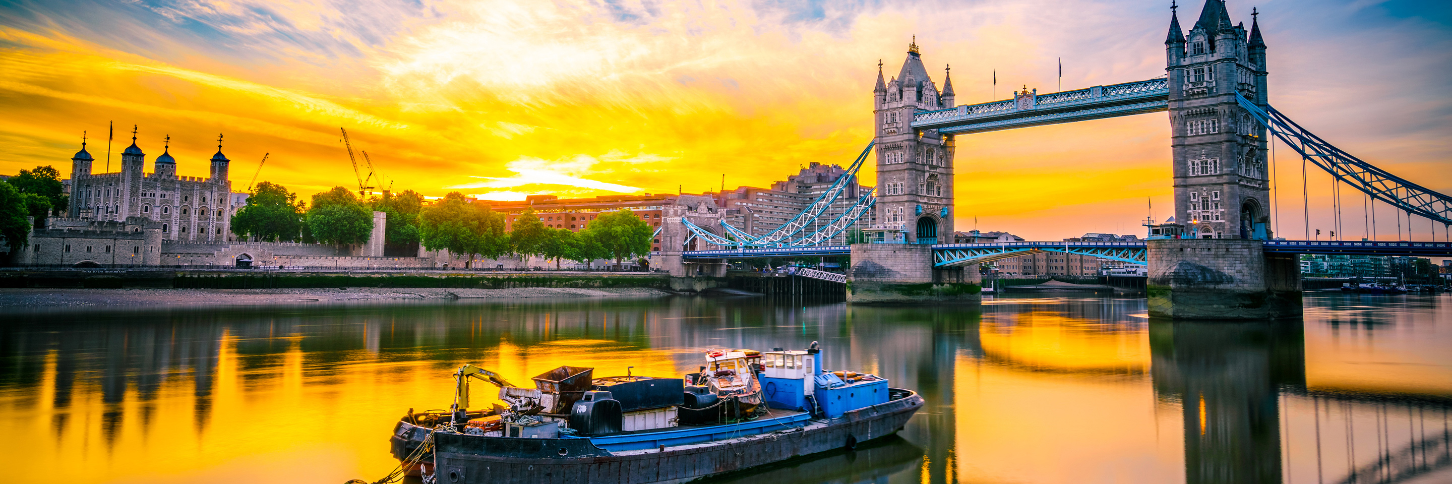 Paris to Normandy WWII Remembrance & History Cruise with 3  Nights in London