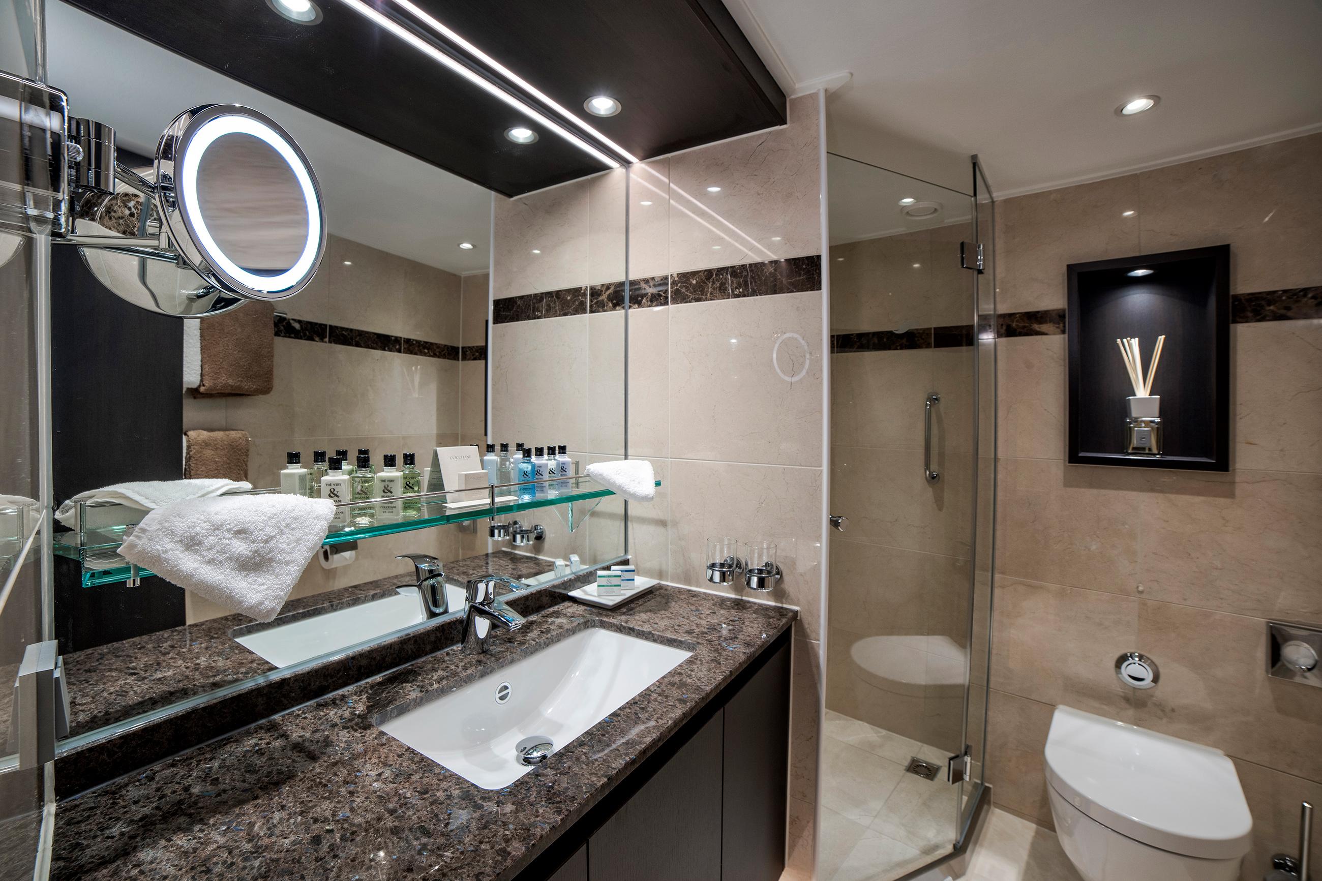 envision-panorama-bathroom.jpg