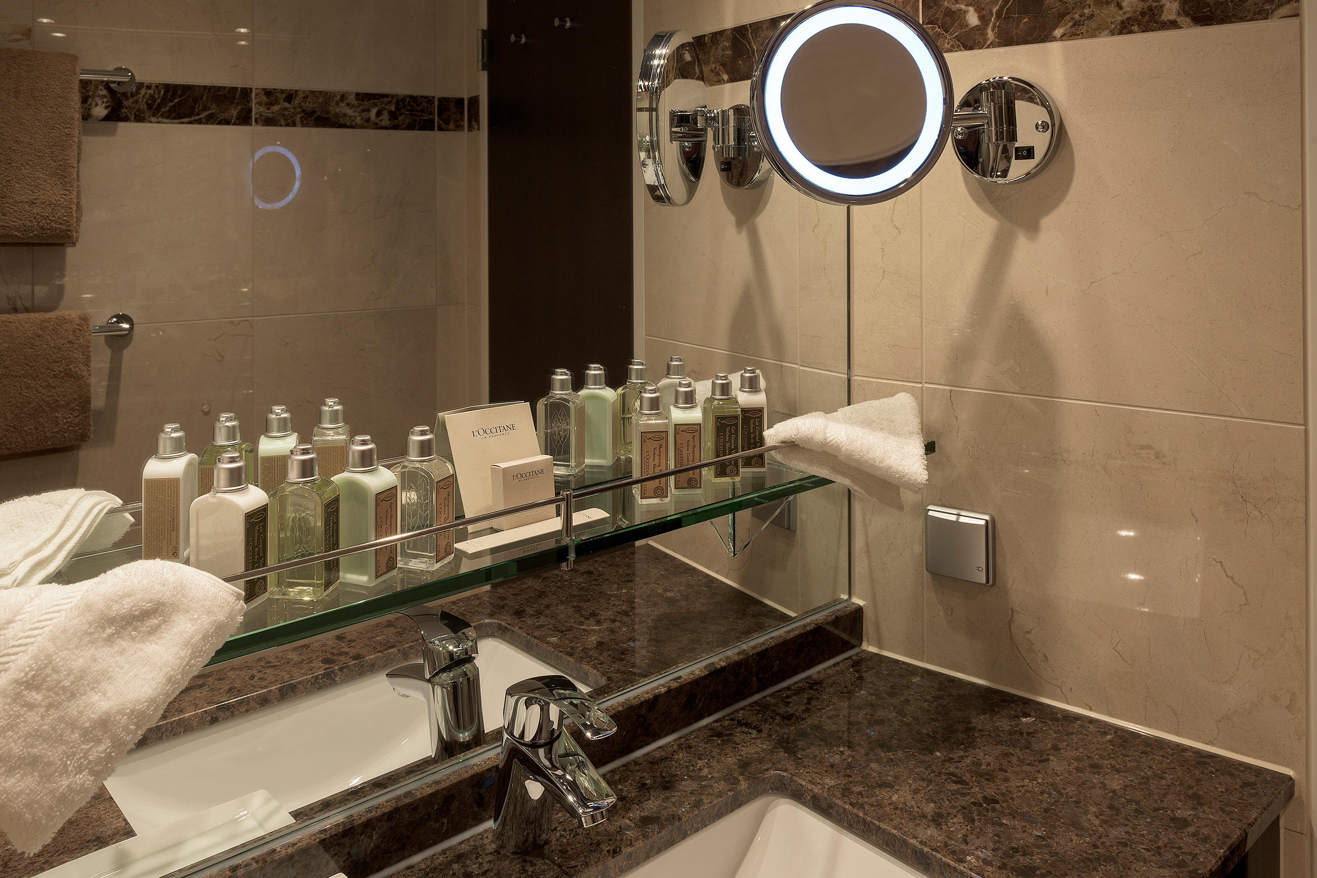 passion-panorama-bathroom.jpg