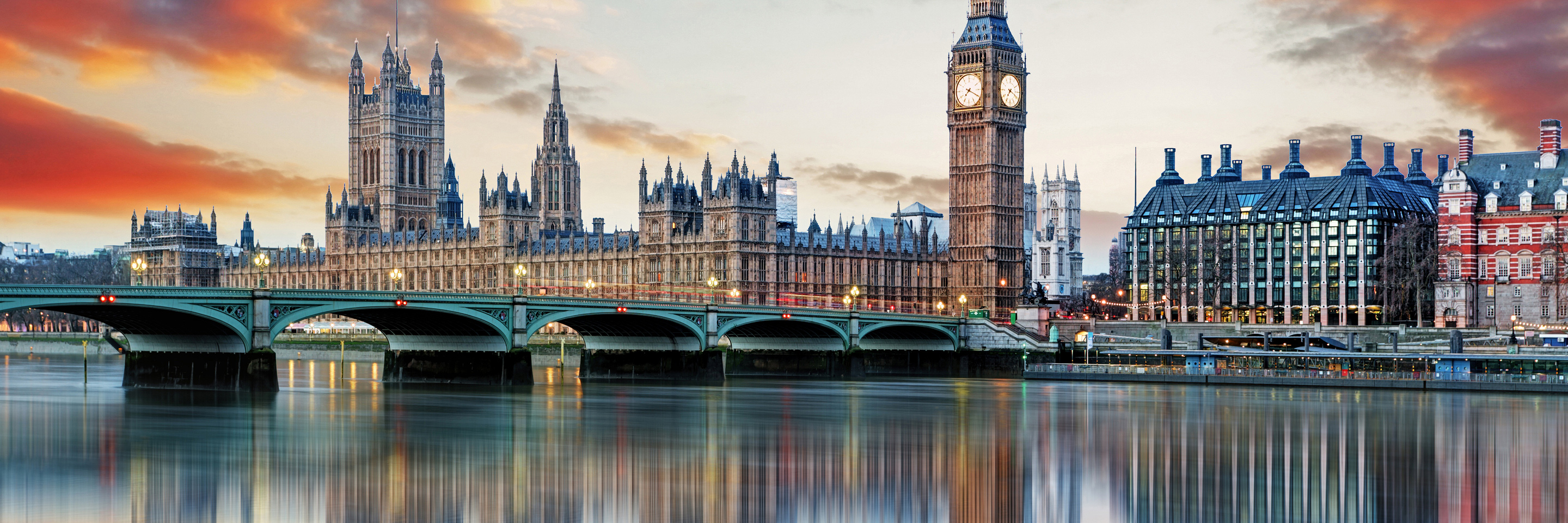 Magnificent Rivers of Europe with 2 Nights in Paris & 2 Nights in London