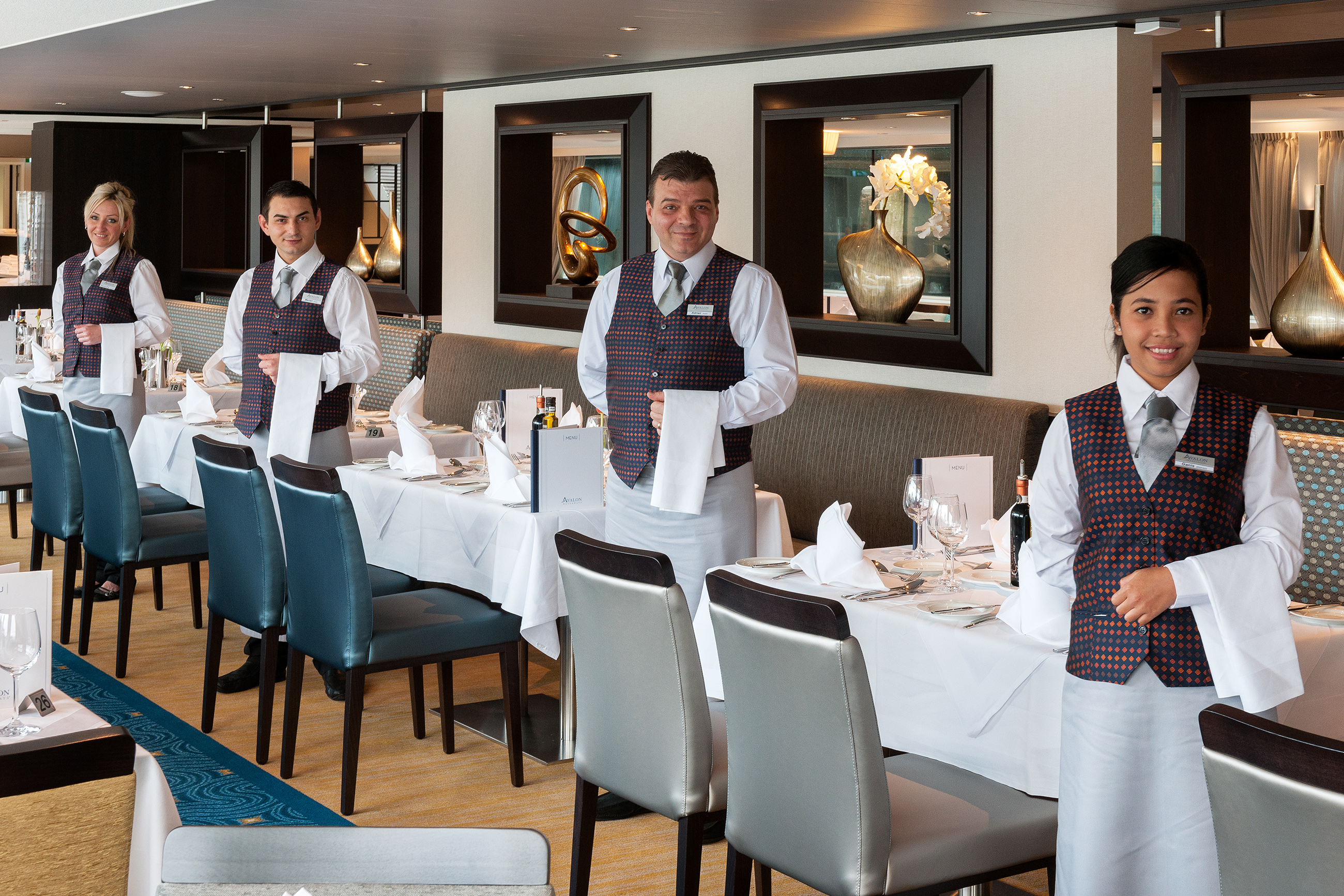 dining-staff.jpg