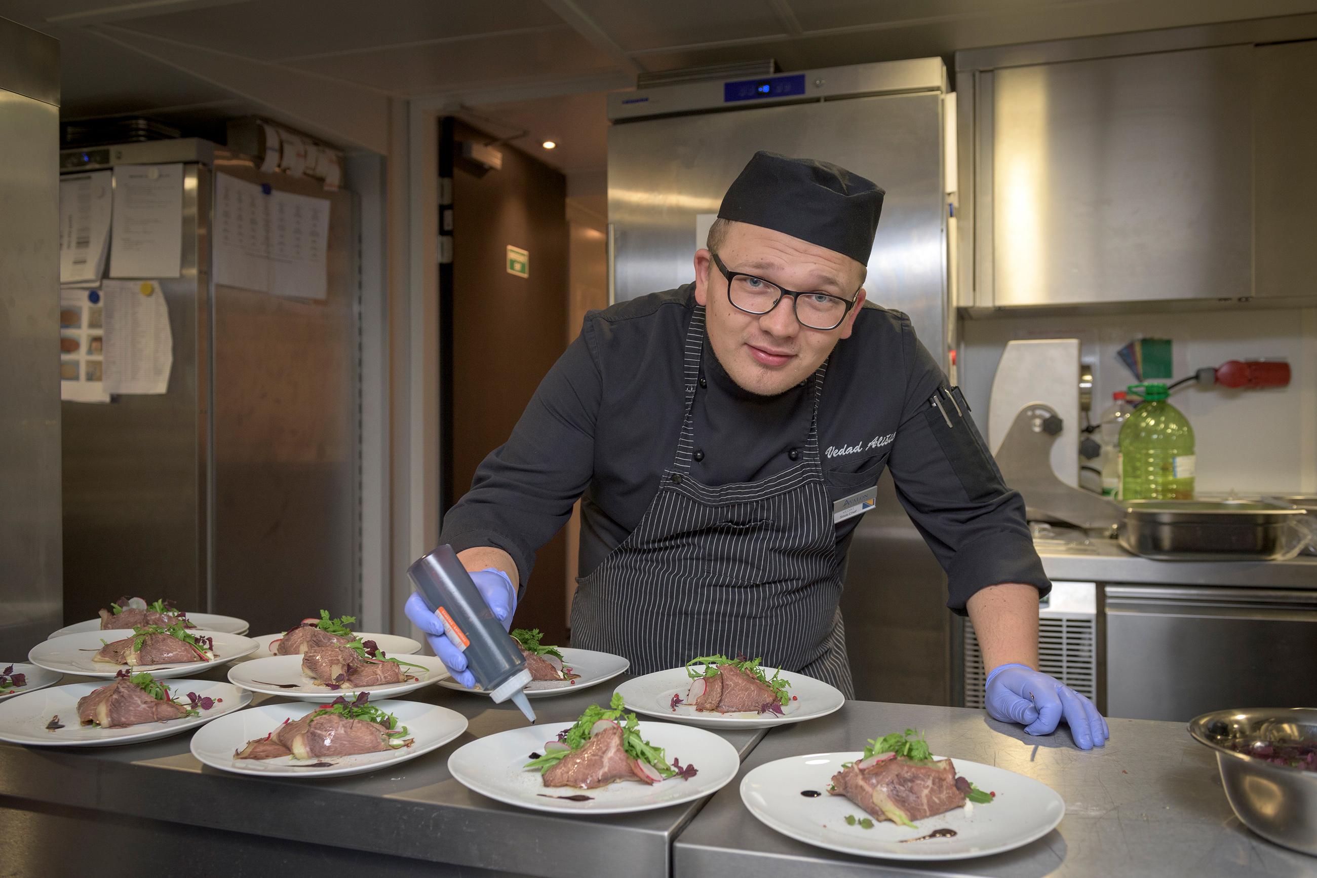 PASSION_dining_chef.jpg